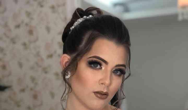 Viviane Almeida - Makeup artist & Hairdresser