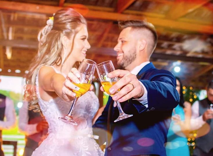 Brinda noivos