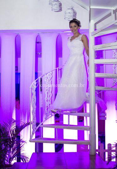 Escada com fundo iluminado