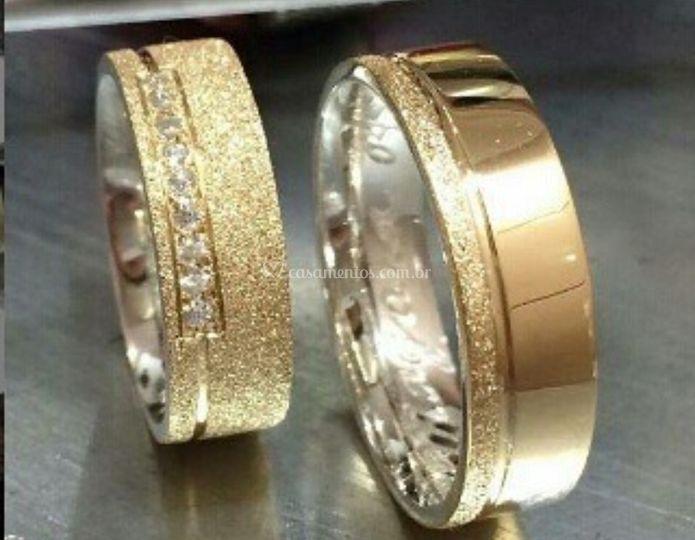 Alianças em prata e ouro 18k