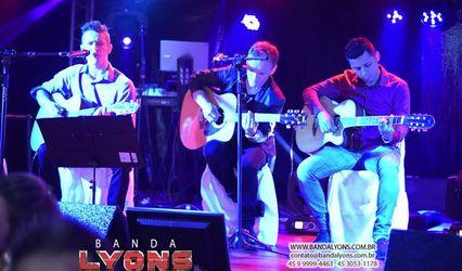 Banda Lyons 1
