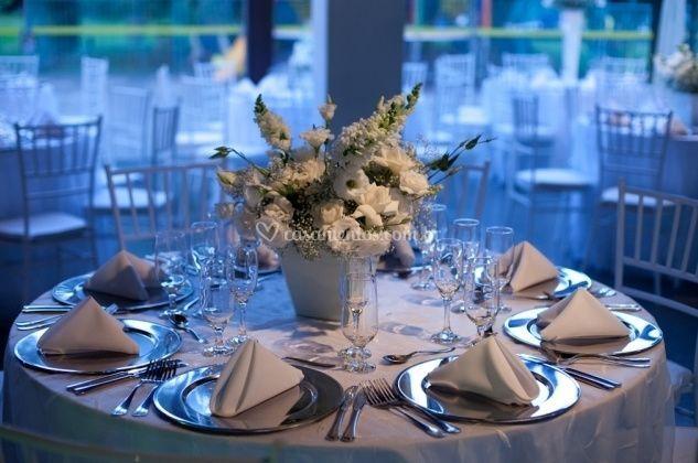 Flores como centro de mesa de KLA2 Loca��o de M�veis