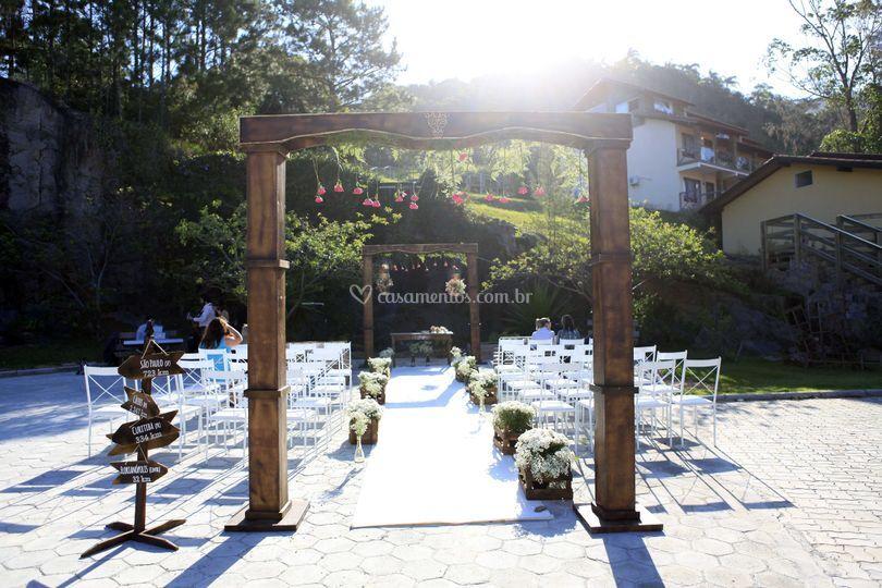 Cerimônia ao ar livre Cascata