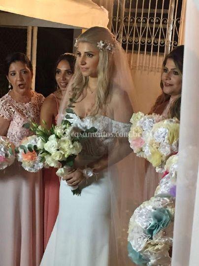 Fio de noiva com flores