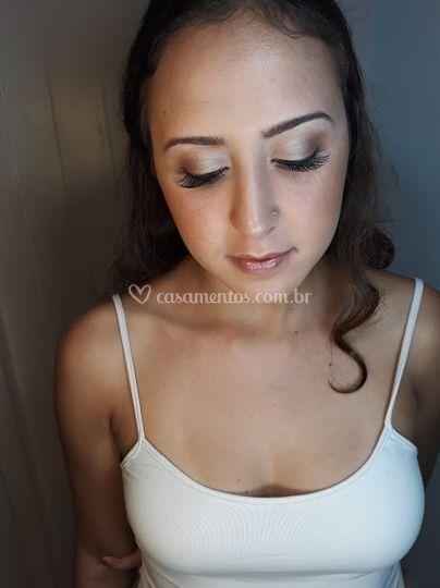 Thanise Ramos - Makeup Artist