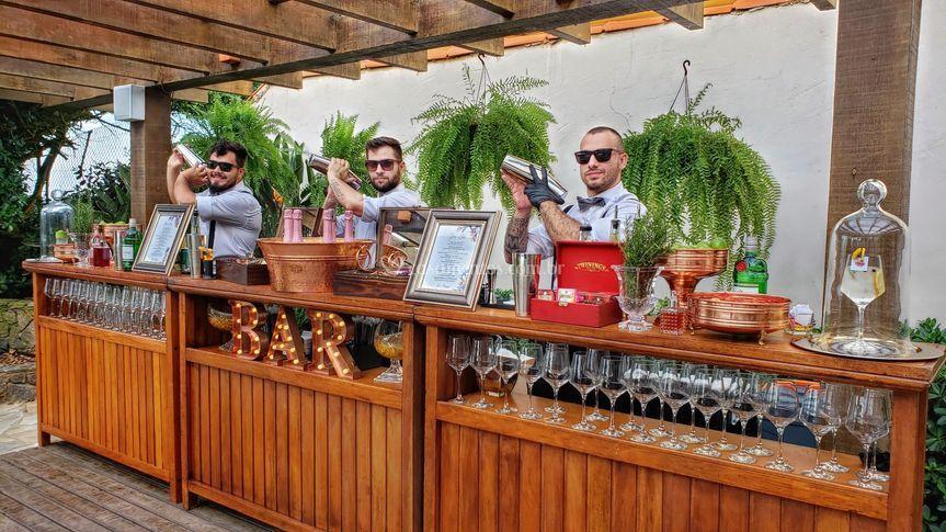Dieffs bartenders
