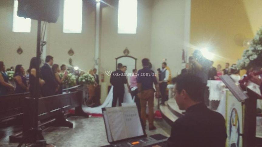 Tecladista na entrada da noiva