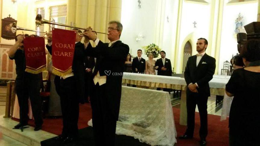 Anúncio pré-entrada da noiva