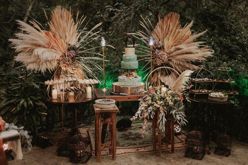 Mesa decorada para doces