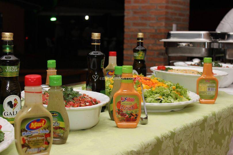 Molhos e saladas variadas