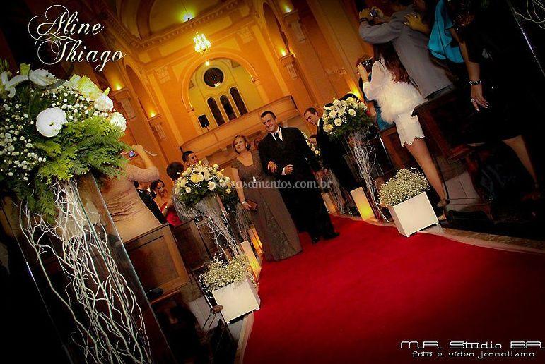 Filmando entrada do noivo