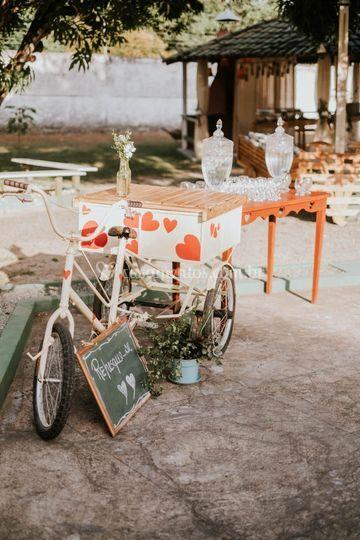 Charme do triciclo com águas