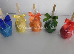 Maçãs decoradas