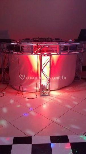 Mesa com iluminação a cor da d