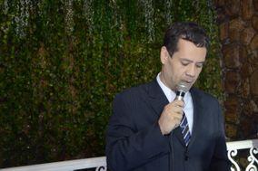 Celebrante Leandro Machado
