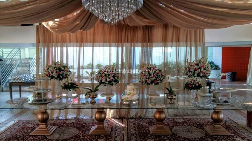 Mesa imperial de vidro