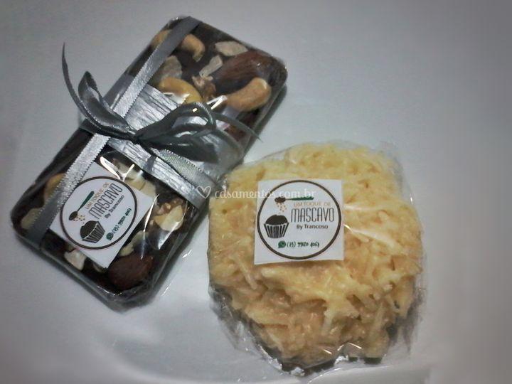 Cocada e barra de castanhas