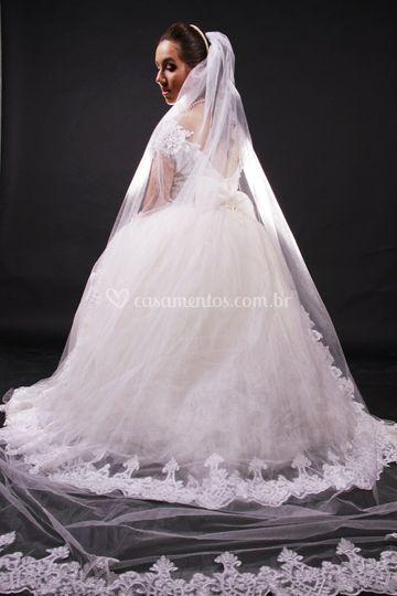 Vestido de noiva e véu