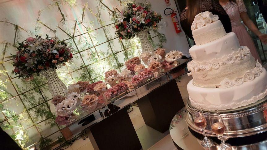 Mesa bolo e mesa doces