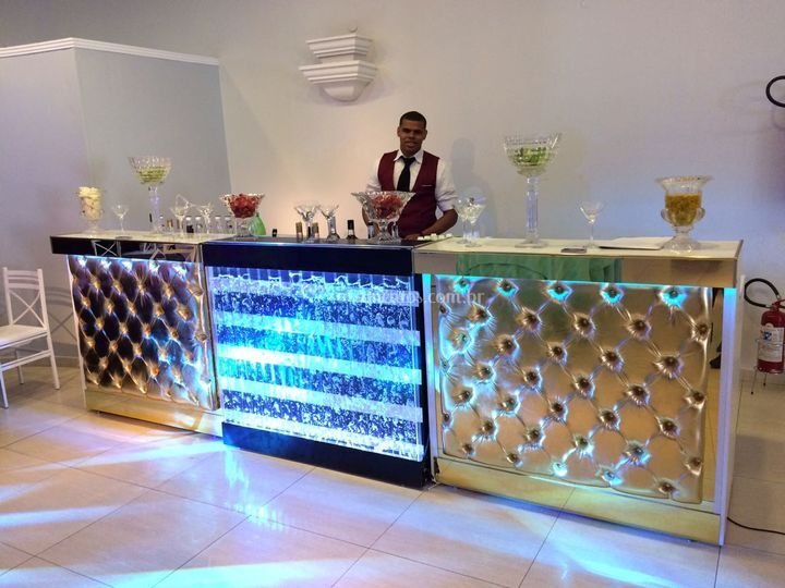 Abs bartenders