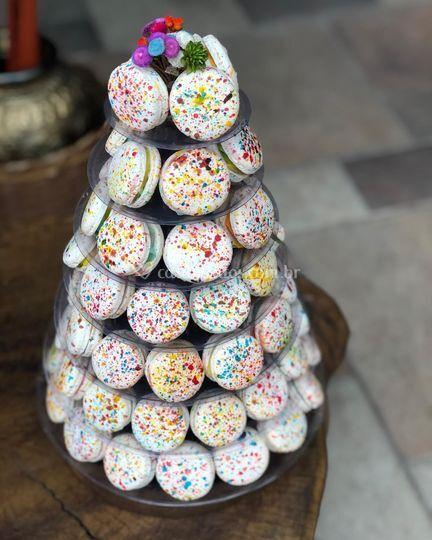 Torre com 60 macarons