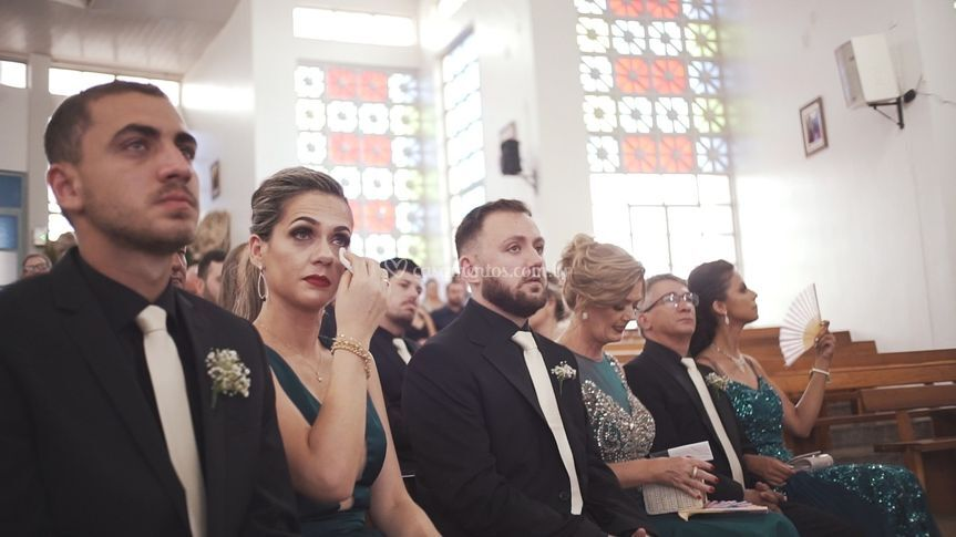 Chegada da noiva é emocionante