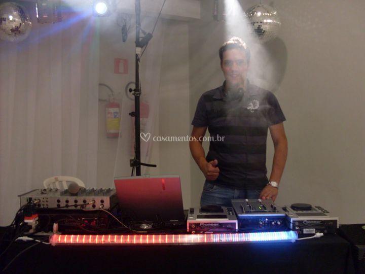 Pacote com DJ