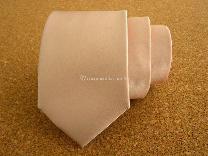 Gravata de cetim rosé