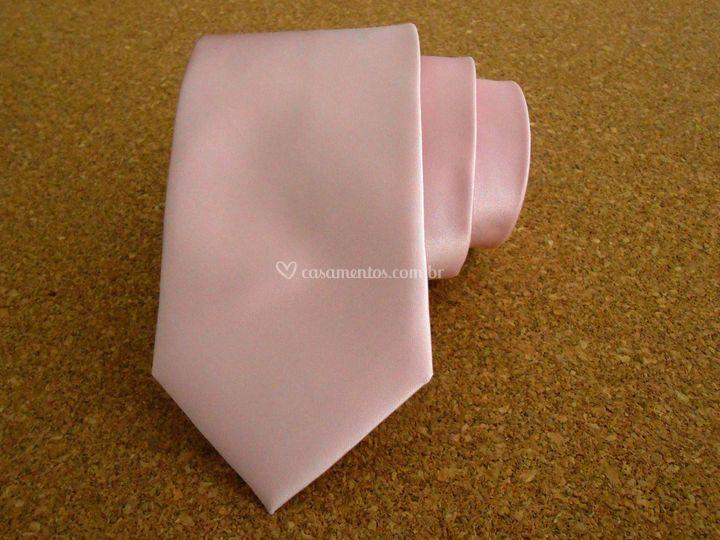 Gravata de cetim rosa bebê