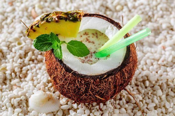 Pinna colada no coco