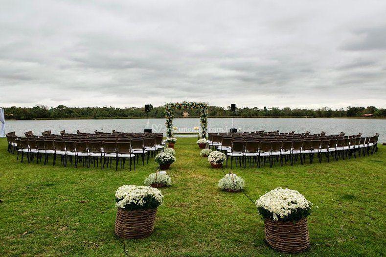 Casamento a beira do Lago