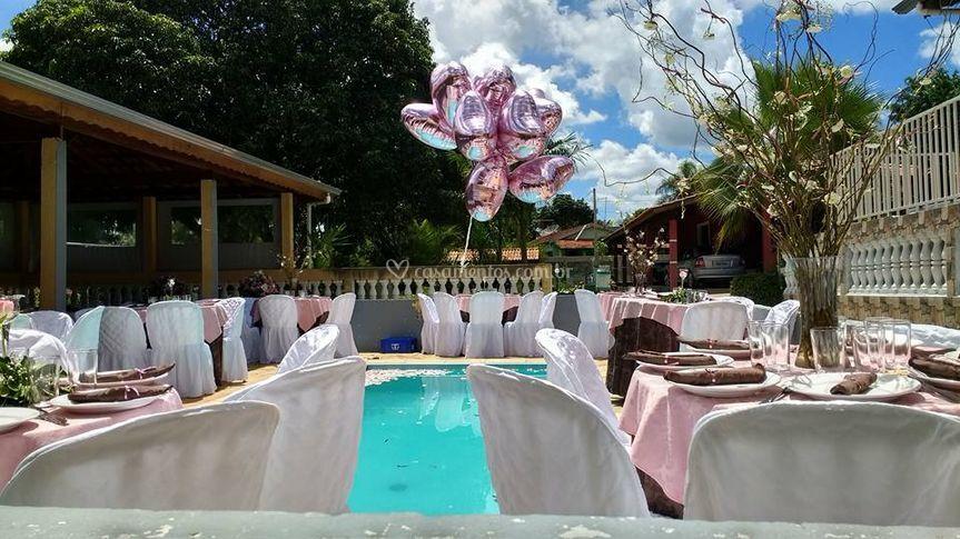 Decoração belíssima na piscina