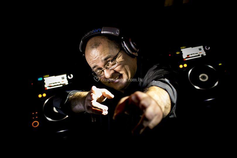 Carlinhos DJ