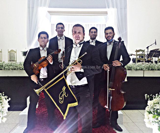 Quarteto com trompete triunfal