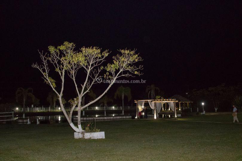 Visao lago a noite