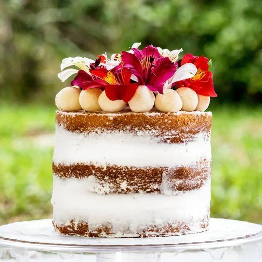 Semi naked cake florido