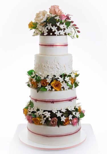 Bolo fake casamento flores