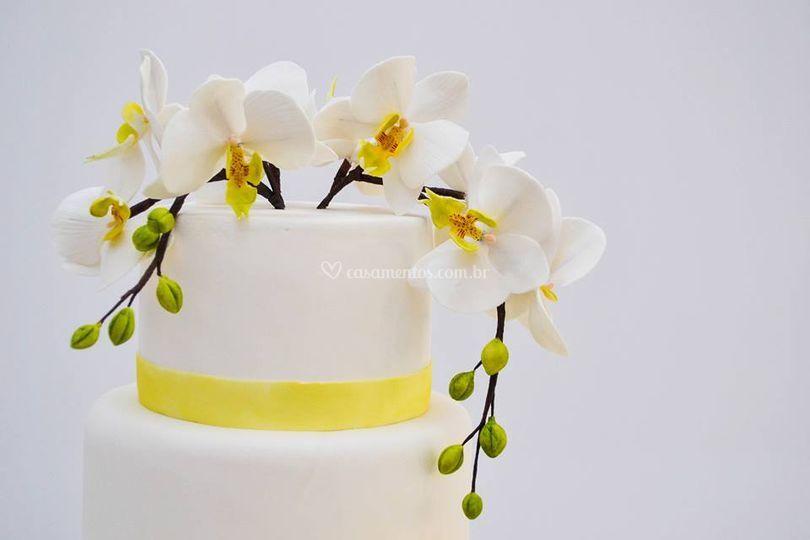 Topo bolo casamento orquídea