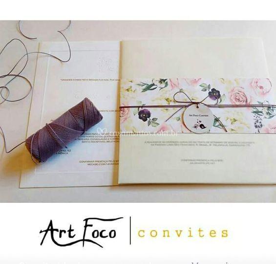 Papel vegetal e faixa floral