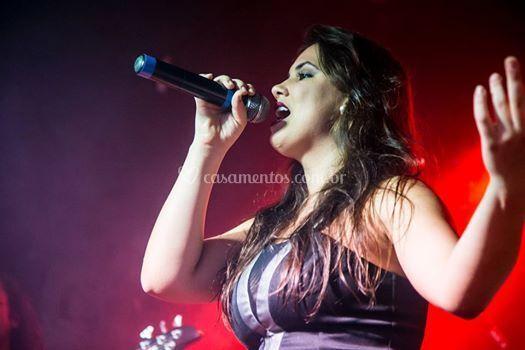 Flávia filha cantora