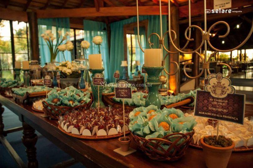 Sala de entrada mesa do bolo