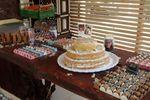 Decoração mesa de bolo e doces