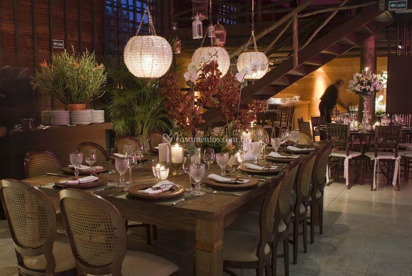 Mesa dos noivos e familia