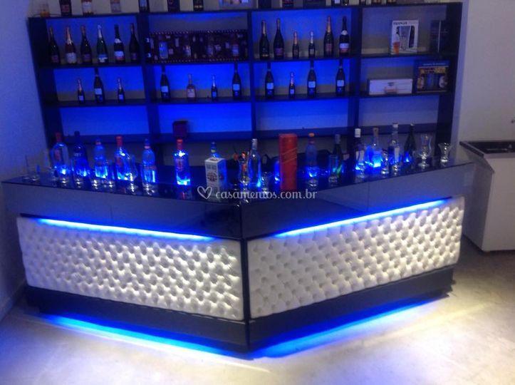 Bar capitonê - luz azul