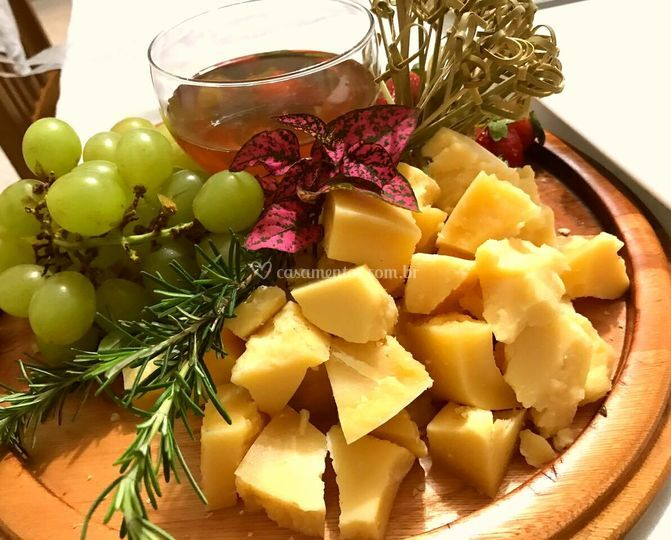 Queijos e frutas