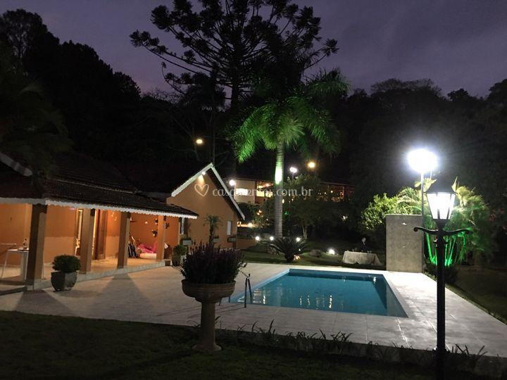 Casa de aluguel com iluminação