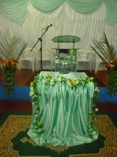 Decoração simples na igreja