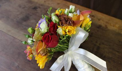 Charis Design Floral 1