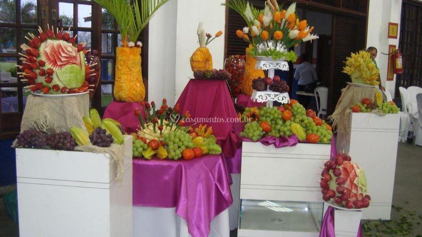 Mesa decorada frutas