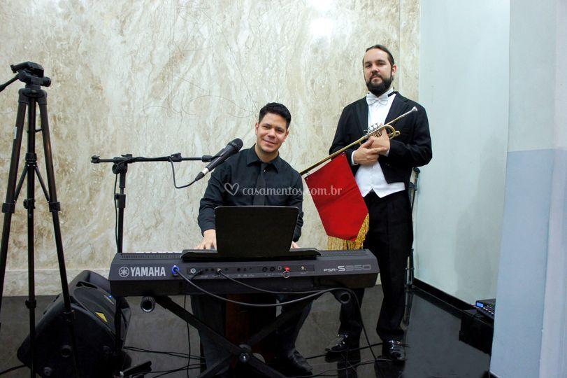 Cerimônia com teclado & clarim
